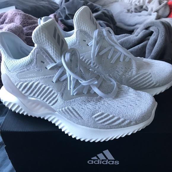 Zapatillas adidas bounce poshmark borde blanco